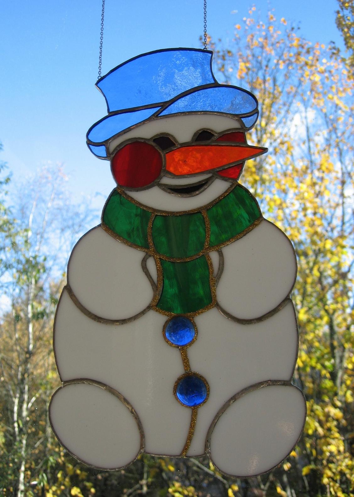 Картинки снеговика на окно гуашью